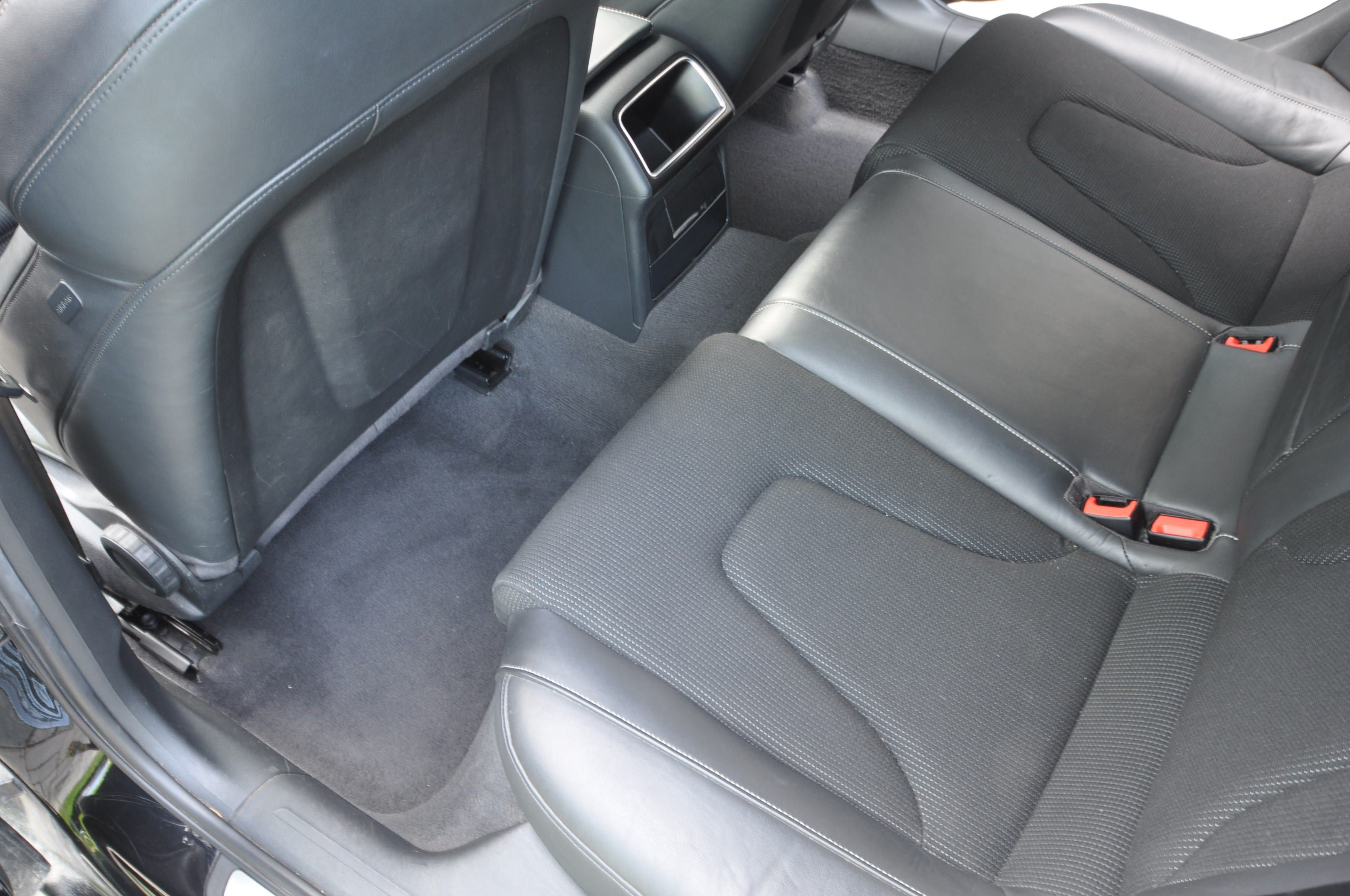 Auto keemiline puhastus